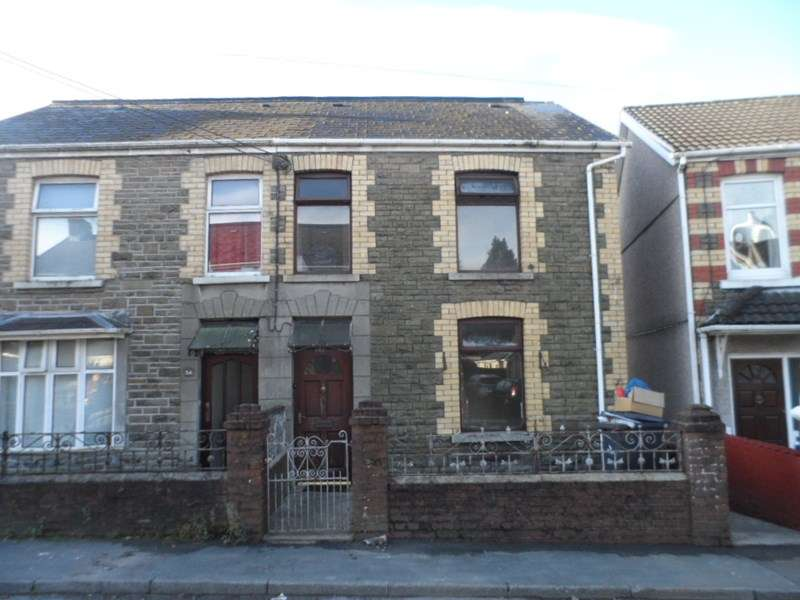3 Bedrooms Semi Detached House for rent in Station Road, Ystradgynlais, Swansea