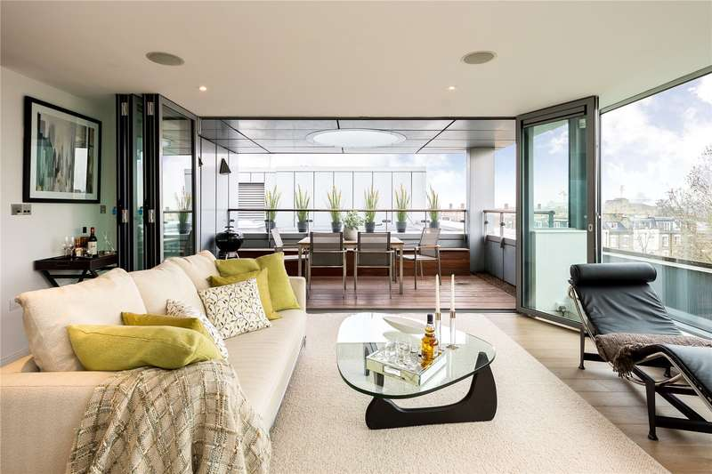 2 Bedrooms Flat for sale in Blackthorn Avenue, London, N7