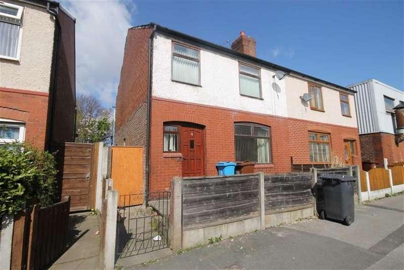 3 Bedrooms Semi Detached House for rent in Henley Street, Oldham