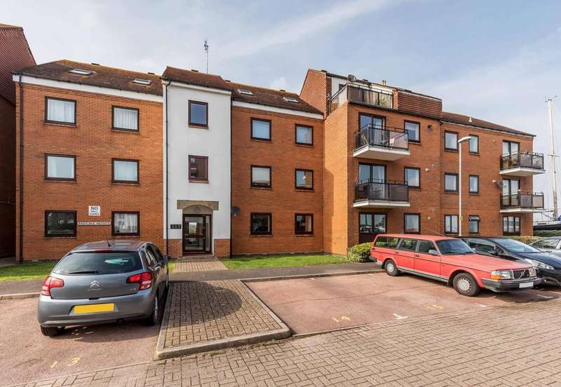 2 Bedrooms Ground Flat for sale in Horse Sands Close, Southsea