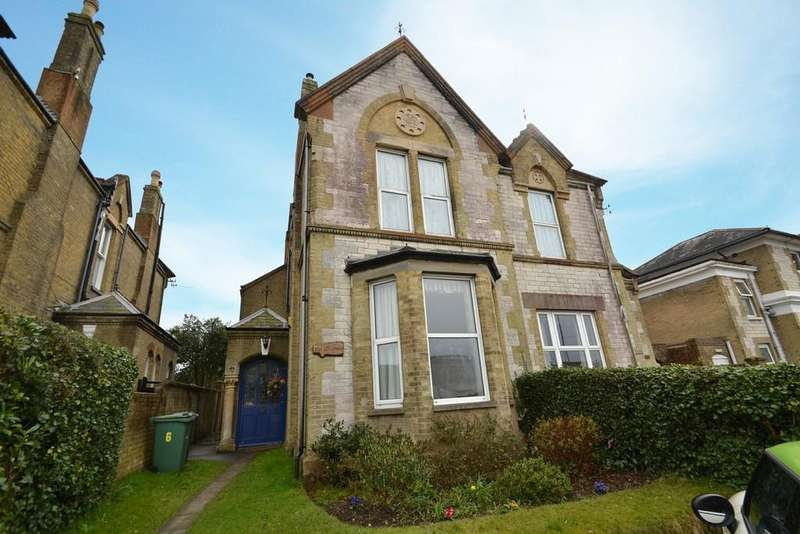 4 Bedrooms Semi Detached House for sale in Queens Road, Ryde
