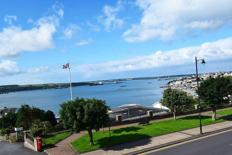 4 Bedrooms Detached House for sale in Hamilton Terrace, Milford Haven