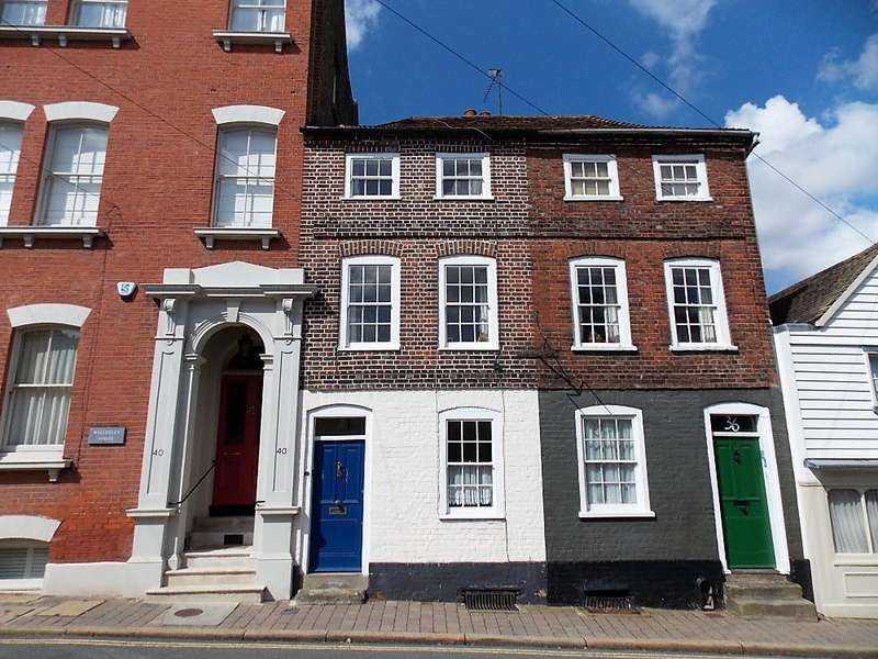 3 Bedrooms Terraced House for sale in ST MARGARETS STREET, ROCHESTER ME1