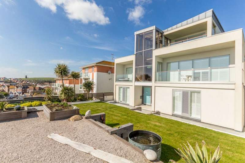 5 Bedrooms Detached House for sale in Marine Drive , Rottingdean, Brighton BN2