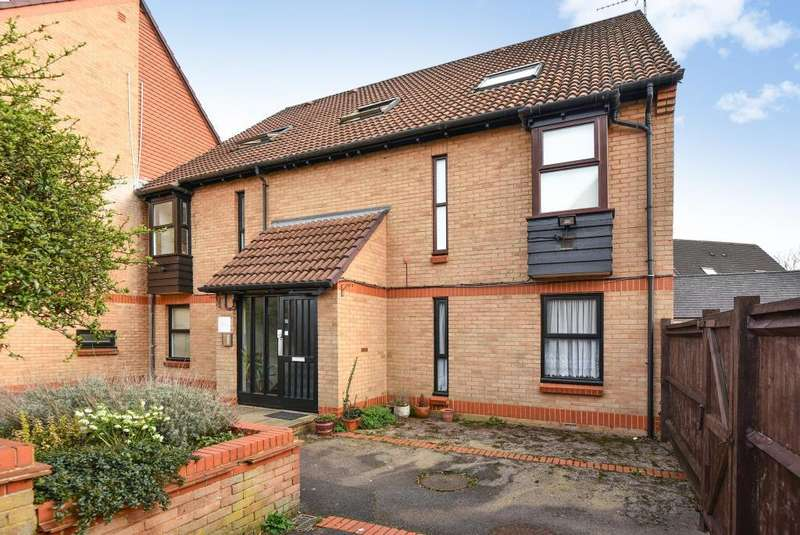 1 Bedroom Flat for sale in Datchet, Berkshire, SL3