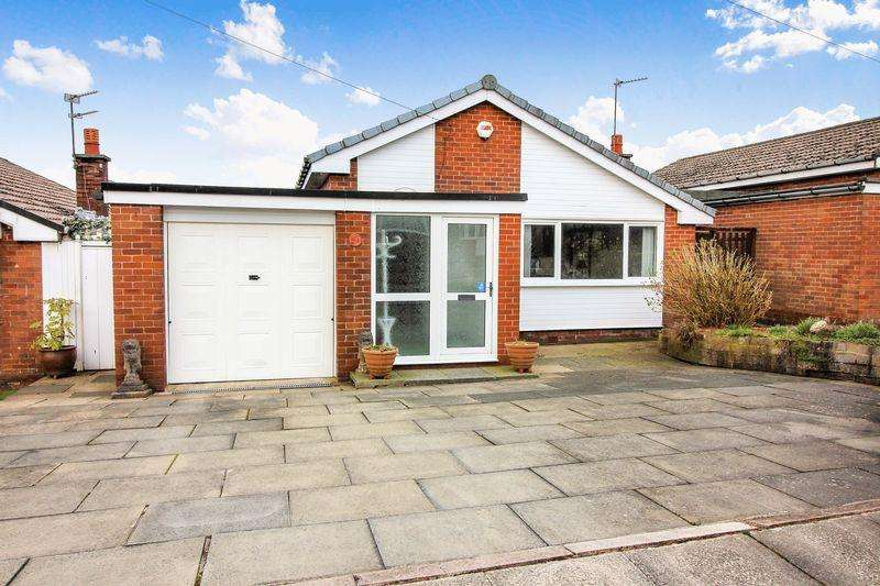 2 Bedrooms Detached Bungalow for sale in Preesall Close, Bury