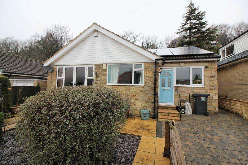 3 Bedrooms Detached Bungalow for sale in Springwood Drive,Lower Skircoat, Halifax