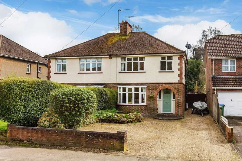 3 Bedrooms Semi Detached House for sale in Forest Road, Horsham