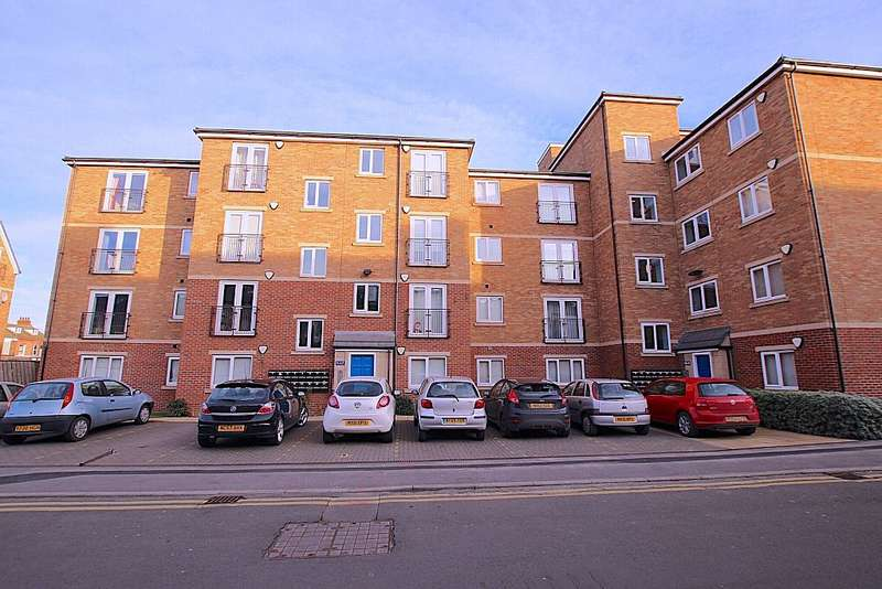 2 Bedrooms Apartment Flat for sale in Laburnum House, Coatham Road, Redcar, North Yorkshire, TS10 1TA