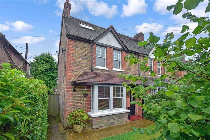 3 Bedrooms Semi Detached House for sale in The Street, Ewhurst, Surrey