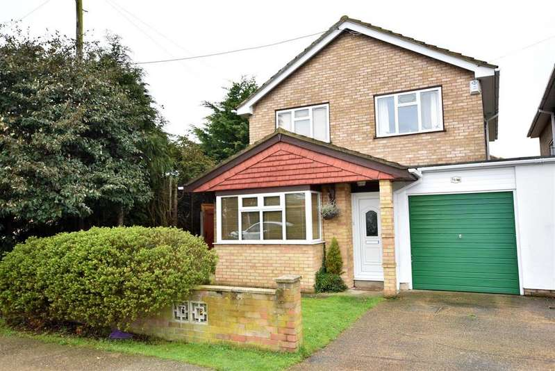 4 Bedrooms Detached House for sale in Canvey Island