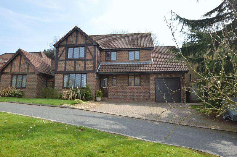 4 Bedrooms Detached House for sale in SEAVIEW