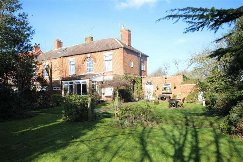 4 Bedrooms Detached House for sale in Crees Lane, Newark, Nottinghamshire