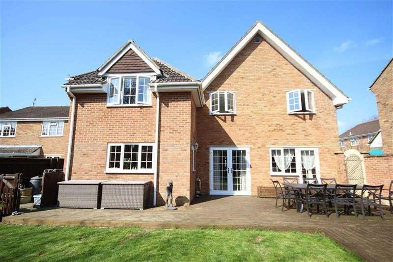 5 Bedrooms Detached House for sale in Mellow Ground, Haydon Wick, Swindon
