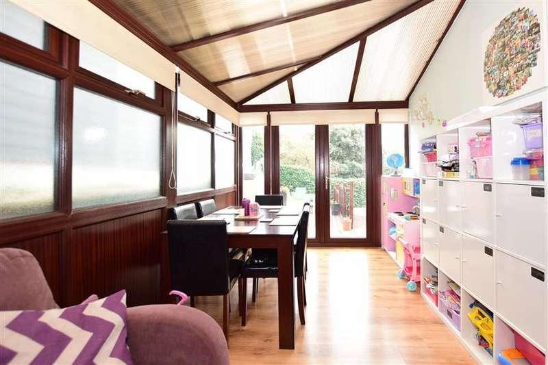 3 Bedrooms Semi Detached House for sale in Kirk Gardens, Walmer, Deal, Kent