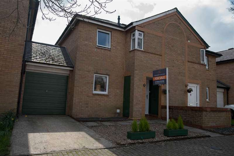 3 Bedrooms Semi Detached House for sale in Quantock Crescent, Emerson Valley, Milton Keynes