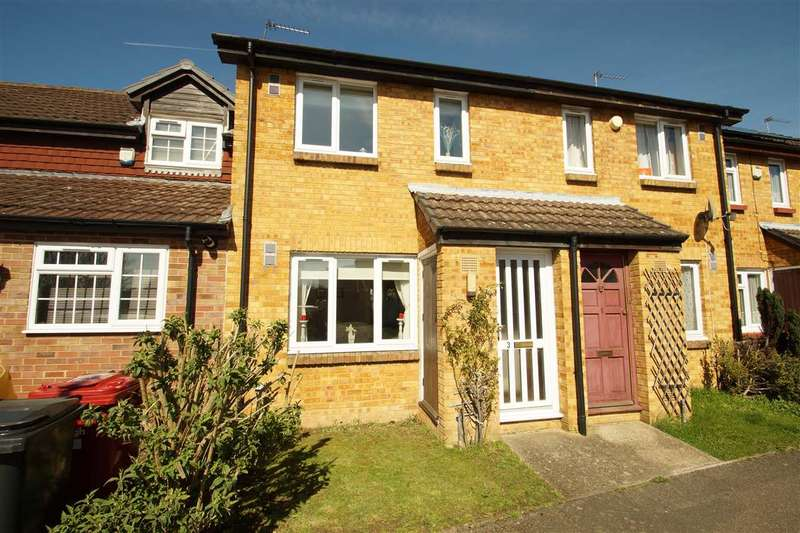 2 Bedrooms Terraced House for sale in Braemar Gardens, Windsor Meadows, Cippenham