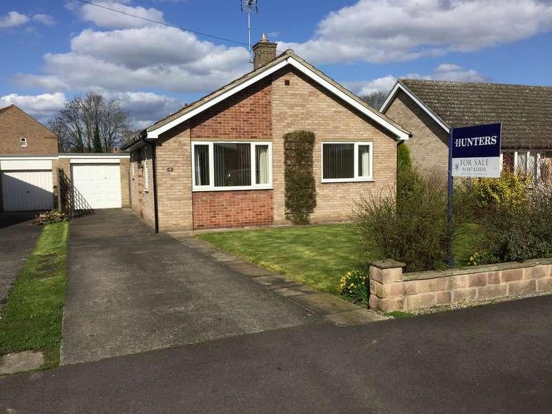 2 Bedrooms Detached Bungalow for sale in Hambleton Way, Easingwold, York, YO61 3EE