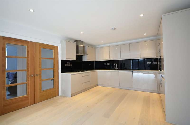 3 Bedrooms Ground Maisonette Flat for sale in Northwick Avenue, Harrow, HA30AT