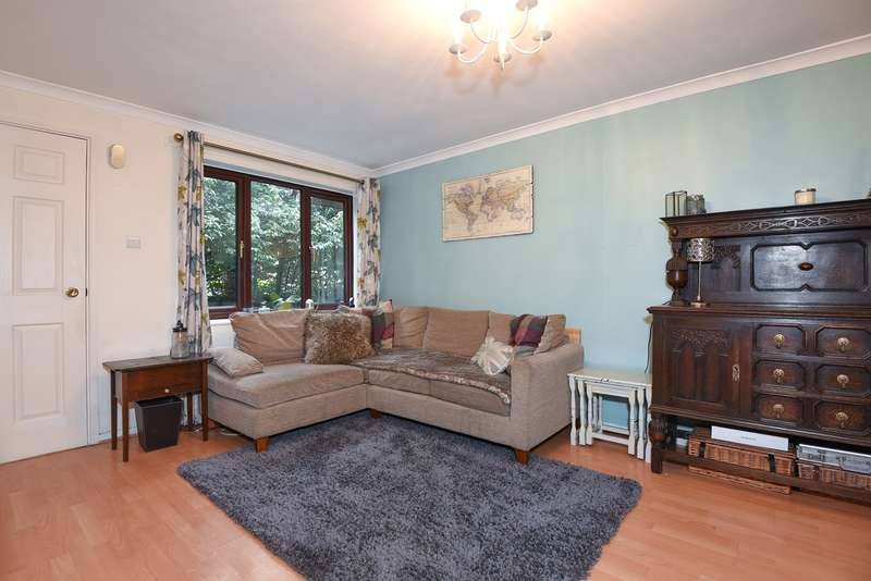 1 Bedroom Ground Flat for sale in Millstream Close, Hitchin, SG4