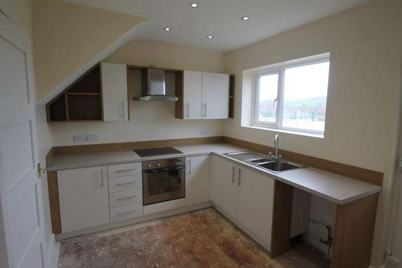 3 Bedrooms Terraced House for rent in Kenworthy Road, Stocksbridge
