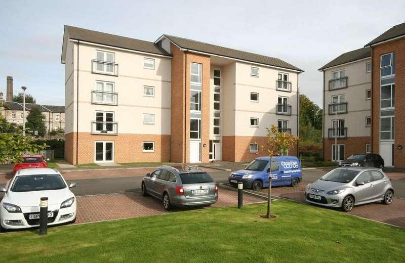 2 Bedrooms Apartment Flat for rent in 41 Leys Park, Dunfermline, KY12 0AF