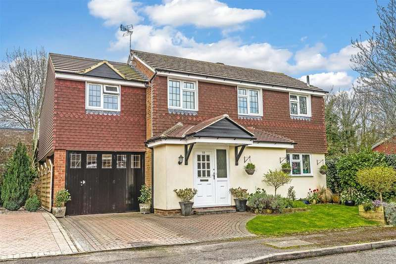 3 Bedrooms Detached House for sale in Osier Way, Banstead