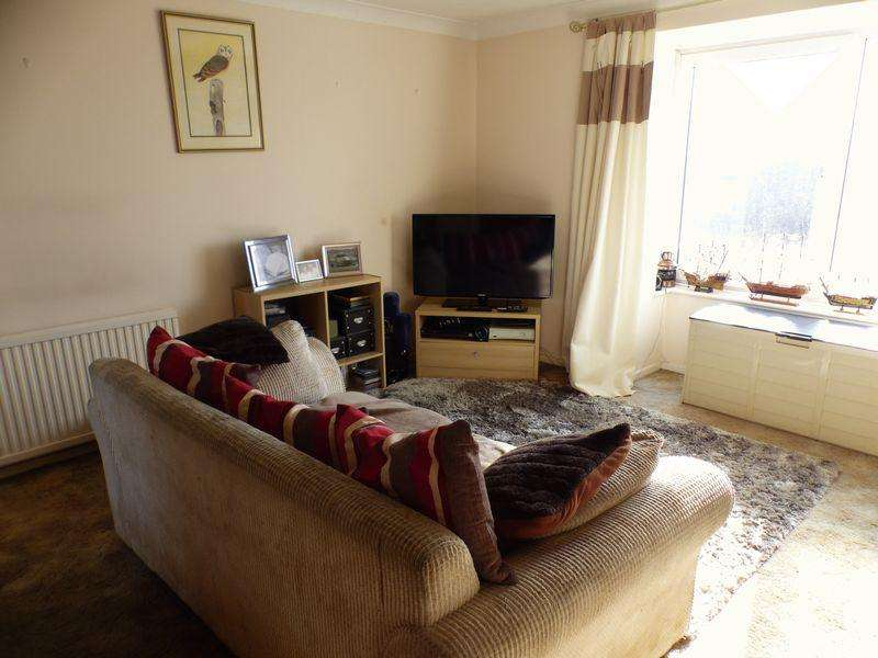 2 Bedrooms Apartment Flat for sale in Grays Lane, Downley