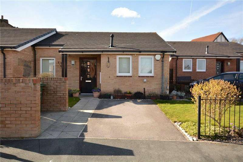 2 Bedrooms Semi Detached Bungalow for sale in Chaucer Gardens, Pudsey, West Yorkshire