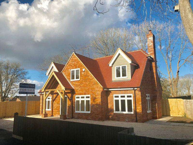 4 Bedrooms Detached House for sale in Water End Road, Studley Green