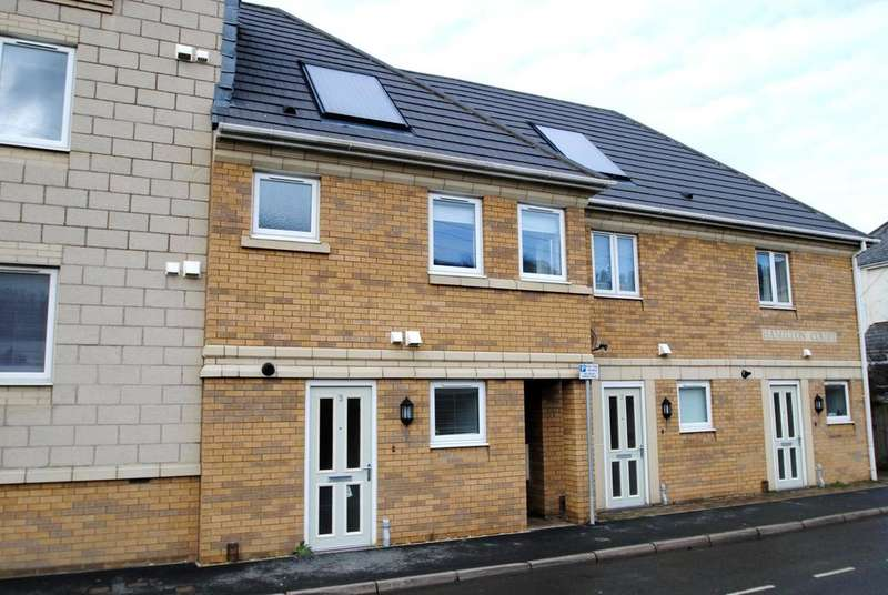 2 Bedrooms Terraced House for rent in Hamilton Court, Nelson Road