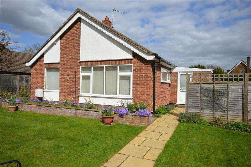 3 Bedrooms Detached Bungalow for sale in Charles Avenue Watton