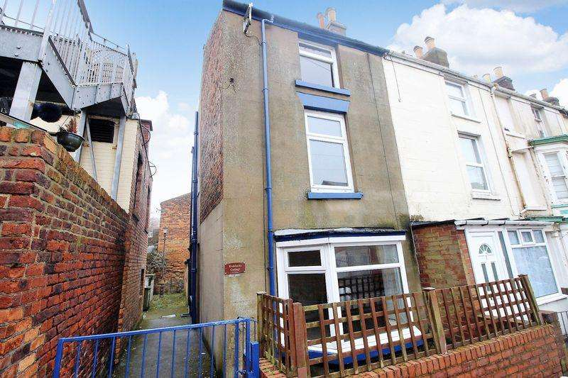 3 Bedrooms Terraced House for sale in Cambridge Street, Scarborough