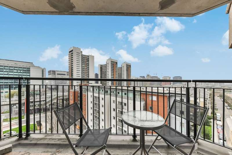 2 Bedrooms Flat for sale in Wingfield Court, Virginia Quay, E14