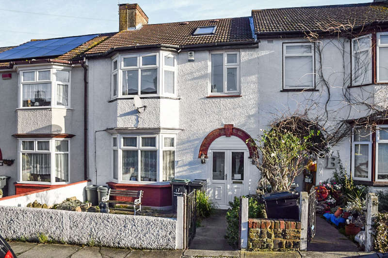 4 Bedrooms Terraced House for sale in Gouge Avenue, Northfleet, Gravesend, DA11