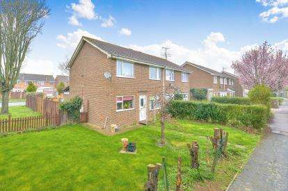 3 Bedrooms Semi Detached House for sale in Morris Walk, Newport Pagnell, Milton Keynes, Bucks