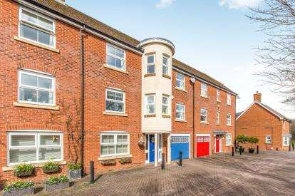 4 Bedrooms Terraced House for sale in Romsey, Hampshire
