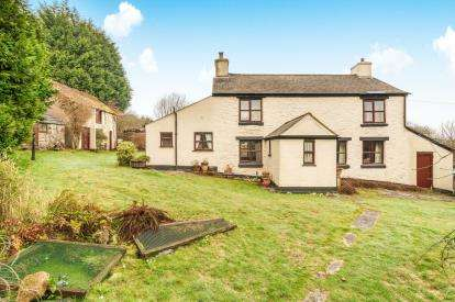 3 Bedrooms Detached House for sale in Callington, Cornwall
