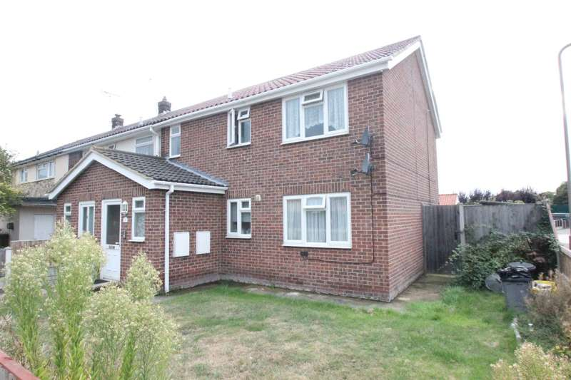 1 Bedroom Apartment Flat for rent in Pine Close, Canvey Island