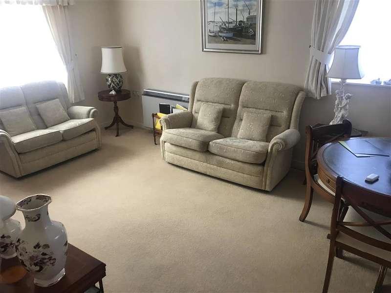 2 Bedrooms Flat for sale in Sea Lane, , Rustington, West Sussex