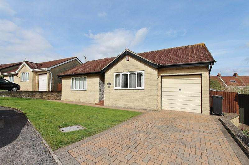 2 Bedrooms Detached Bungalow for sale in Cromwell Court, Hanham, Bristol