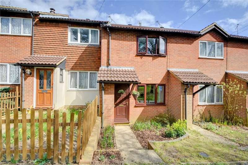 2 Bedrooms Terraced House for sale in Amber Close, Bordon, Hampshire
