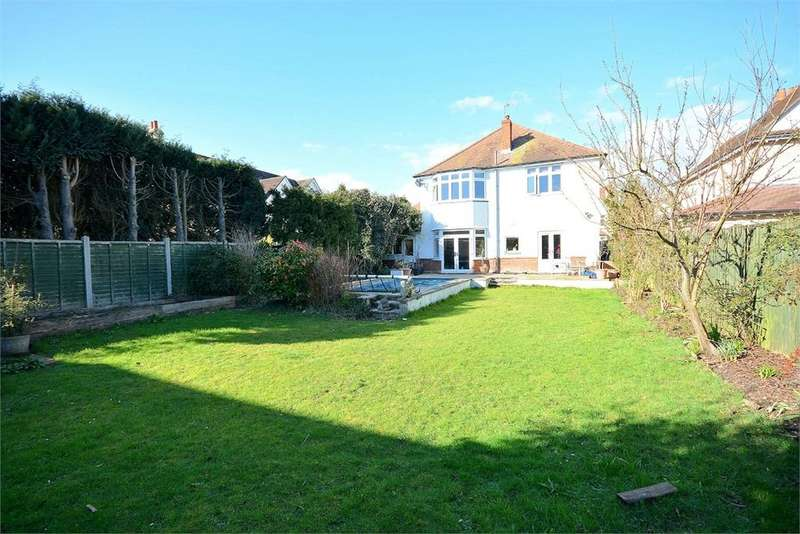 4 Bedrooms Detached House for sale in Richmond Park Avenue, Queens Park, Bournemouth