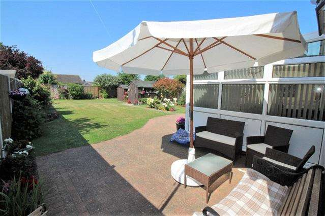 2 Bedrooms Detached Bungalow for sale in Gorse Lane, Great Clacton, Clacton on Sea