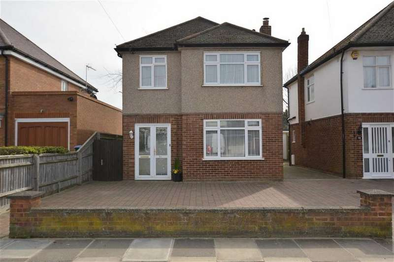 3 Bedrooms Detached House for sale in Courtlands Drive, Watford, Herts, WD17