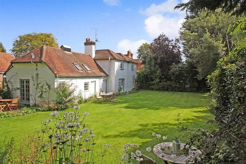 4 Bedrooms Detached House for sale in Wakefords, High Street, Headley