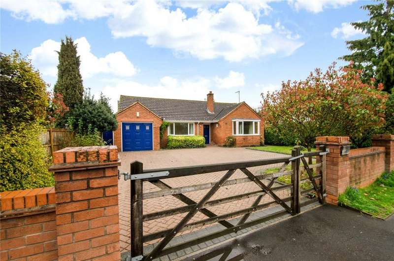 3 Bedrooms Detached Bungalow for sale in Lower Broadheath, Worcestershire