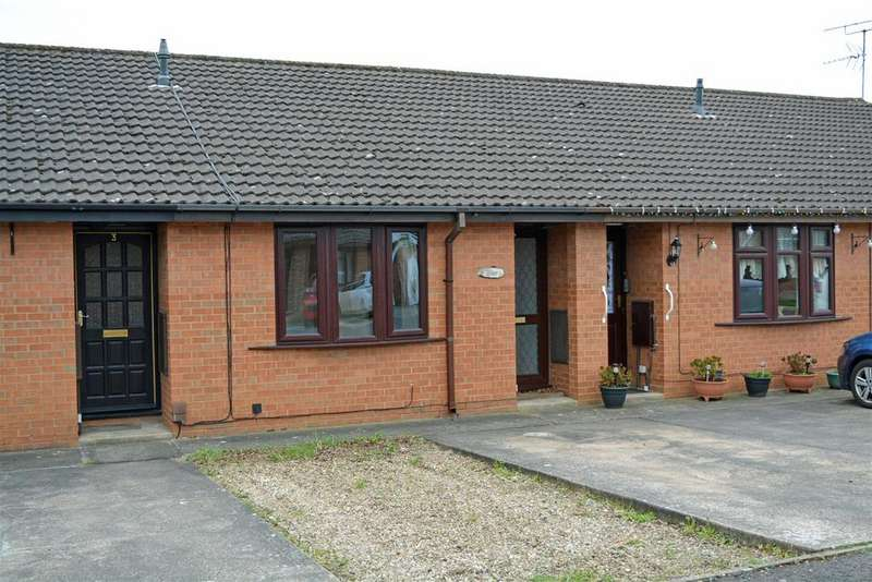 1 Bedroom Bungalow for sale in Deacon Drive, Scunthorpe