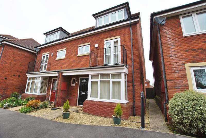 4 Bedrooms Semi Detached House for sale in Acer Village, Whitchurch