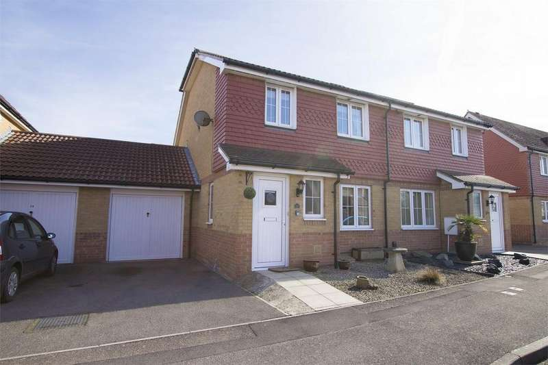 3 Bedrooms Semi Detached House for sale in Albacore Close, Lee-on-the-Solent, Hampshire